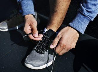 Rozciąganie butów.
